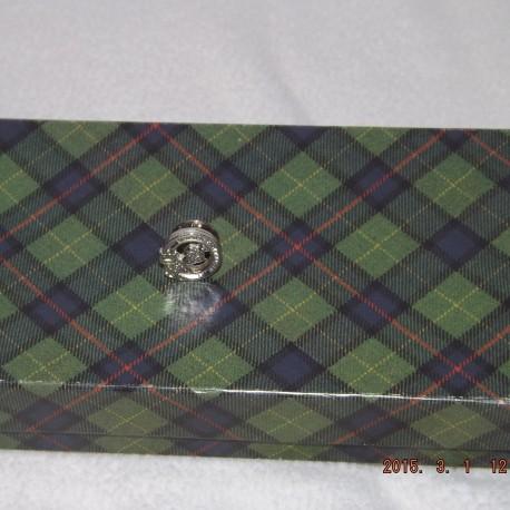 Robertson Crest Lapel Pin